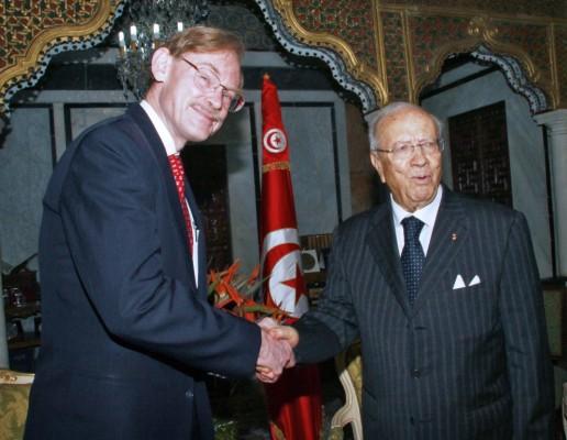 Robert Zoellick del Banco Mundial y el premier tunecino Beyi Caid Essebsi