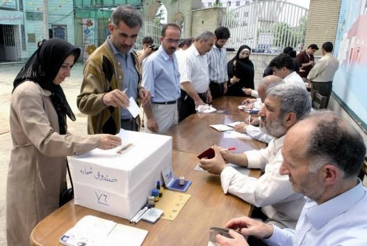 Una mesa electoral en Karaj, al oeste de Teherán