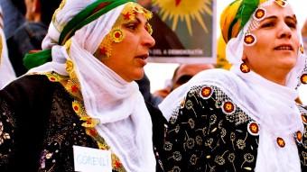Mujeres kurdas durante la celebración del Noruz, el Año Nuevo persa