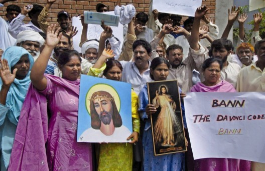 """Cristianos paquistaníes protestan contra la película """"El código Da Vinci"""""""