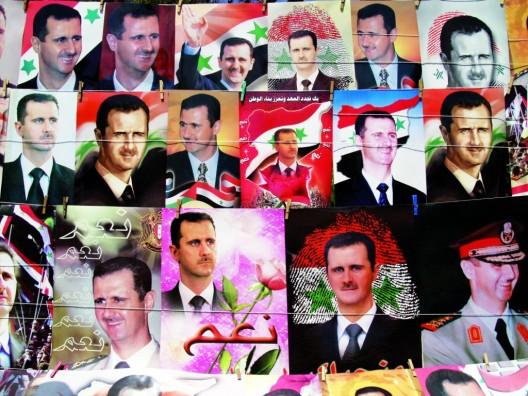 Diferentes modelos de carteles electorales del presidente sirio, Bashar al-Asad