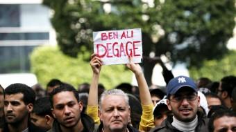 Imagen de una manifestación contra Ben Ali en la avenida Burguiba de Túnez