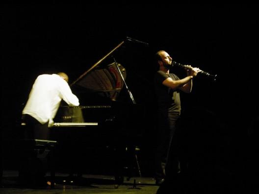 El clarinetista sirio Kinan Azmeh durante el concierto de lanzamiento de su último álbum