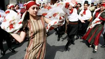 Bailarina realizando una actuación en la calle
